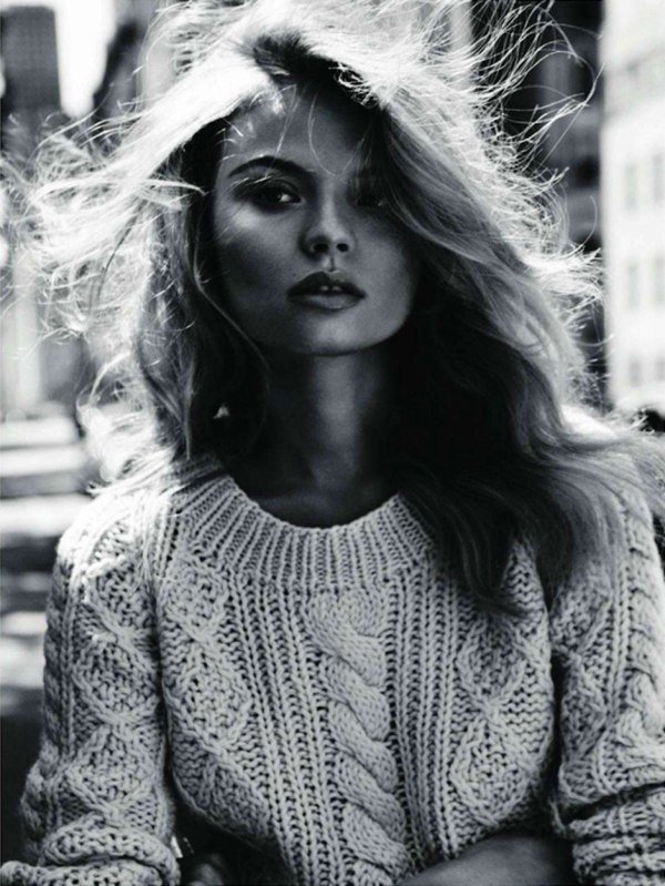 Magdalena-Frackowiak-Vogue-Paris00